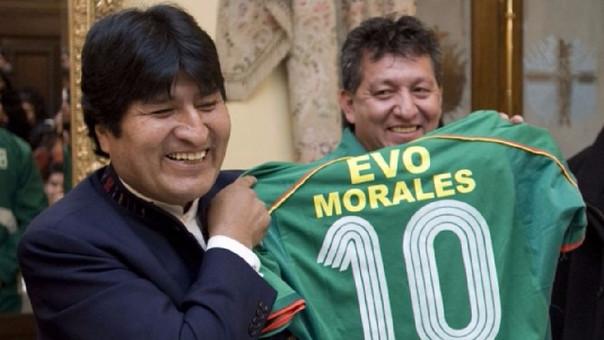 El presidente boliviano Evo Morales se ha confeso un acérrimo fanático del fútbol.