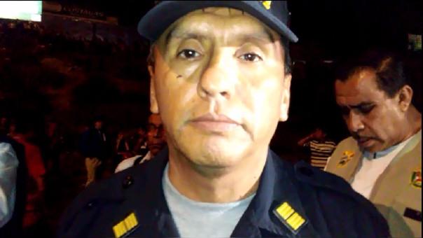 Coronel Walter Cárdenas dirige labores de rescate.