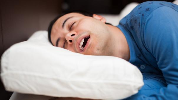 La falta de calidad de sueño provoca somnolencia durante el día, irritabilidad y baja productividad.