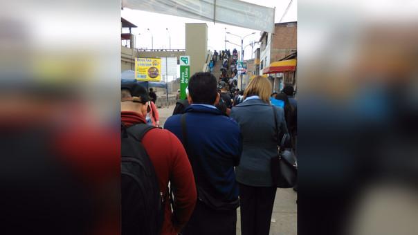 Colas en estación de Villa El Salvador