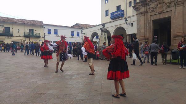Danzas típicas centro histórico de Cusco