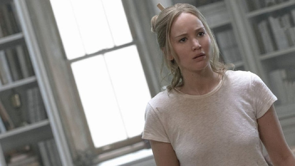 Jennifer Lawrence deslumbró en el Festival de Venecia