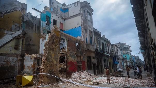 'Irma' azota a Cuba, hoy llega a Florida