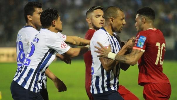 El equipo victoriano venció por 1-0 a Universitario con un golazo de Carlos Ascues en Matute