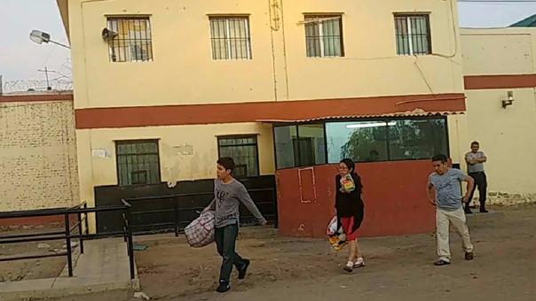Investigados abandonando penal de Chiclayo