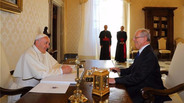 El presidente Kuczynski se reunió, este viernes, con el papa Francisco en el Vaticano para hacerle la invitación formal para que visite el Perú.