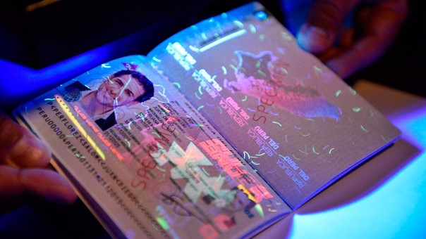 Los pasaportes mecánicos ya no se pueden renovar, por lo que es necesario tramitar un pasaporte electrónico o biométrico.