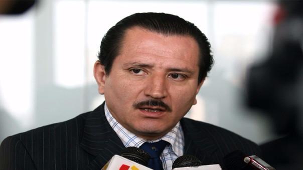 Vega Carreazo es abogado y político.
