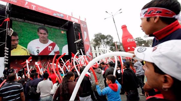 Pantallas Gigantes en Trujillo sin permiso