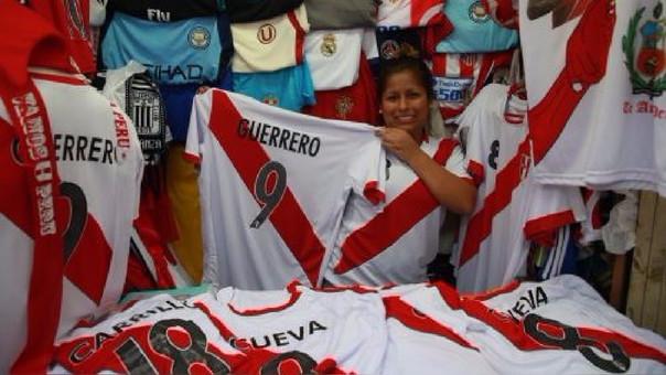 La dirigente estimó que toda la producción generada por Gamarra podría alcanzar los 5 millones de prendas vendidas durante octubre, entre camisetas, chalinas, gorros y otros.
