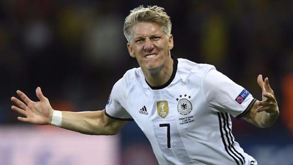 Bastian Schweinsteiger alentó a la blanquirroja en el partido contra Colombia