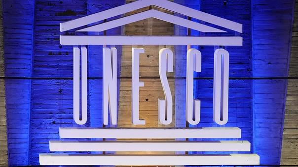 La Unesco tiene su sede en París.