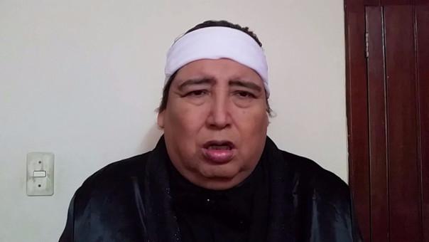 El artista es muy popular en Youtube por sus videos que parodian canciones famosas con un lenguaje inentendible.