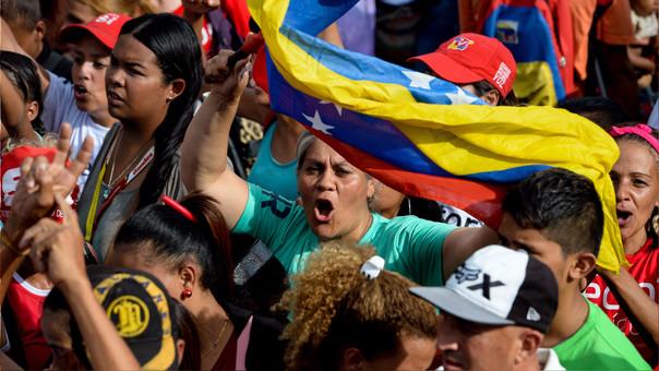 El chavismo dice haber arrasado con resultados que la oposición no reconoce