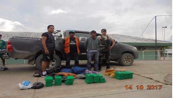 Detención de presuntos traficantes de droga.