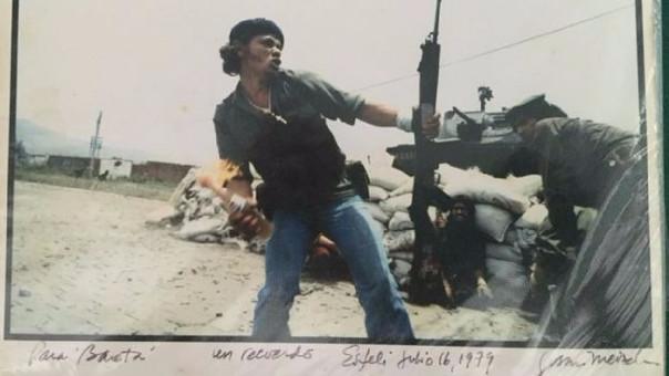 La historia detrás de esta imagen: El hombre molotov
