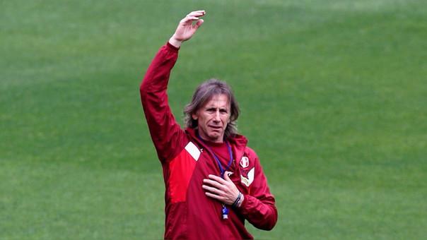 Ricardo Gareca durante un entrenamiento de la Selección Peruana.