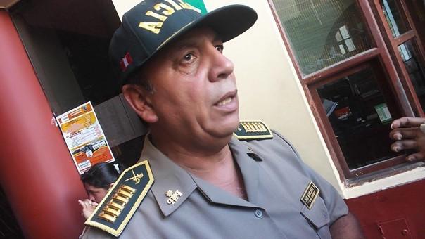 Jefe de la región policial, coronel Víctor Eslava