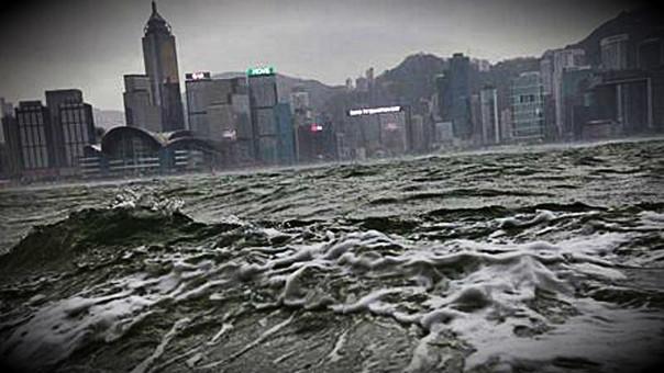 Un poderoso tifón se aproxima a Japón