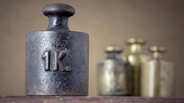 El kilogramo es la unidad básica de masa del Sistema Internacional de Unidades.