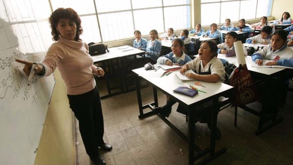 Unesco indica que es injusto y contraproducente culpar a los docentes de los fallos de los sistemas educativos.