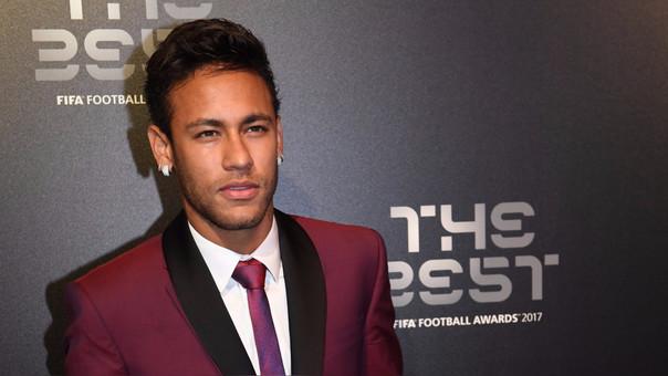 Neymar fue considerado en el once ideal del año presentado por los premios The Best de la FIFA.