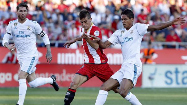 Real Madrid quedó a 8 puntos del Barcelona, líder del torneo.