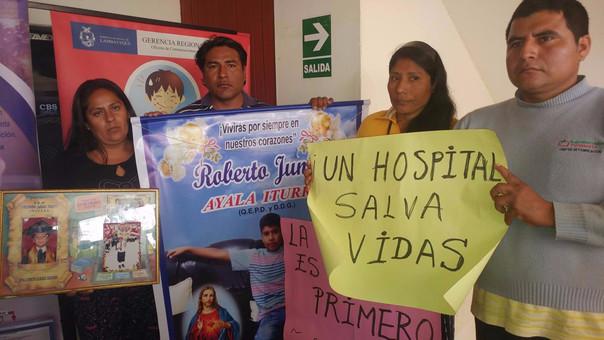Llegaron desde Pomalca a la sede de la Gerencia Regional de Salud ubicada en Chiclayo