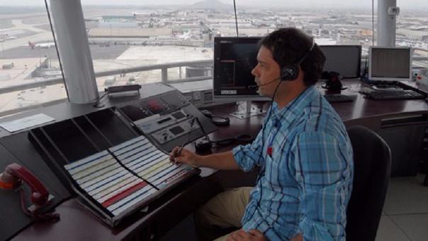 l sueldo mínimo de un controlador aéreo es S/ 3,800.