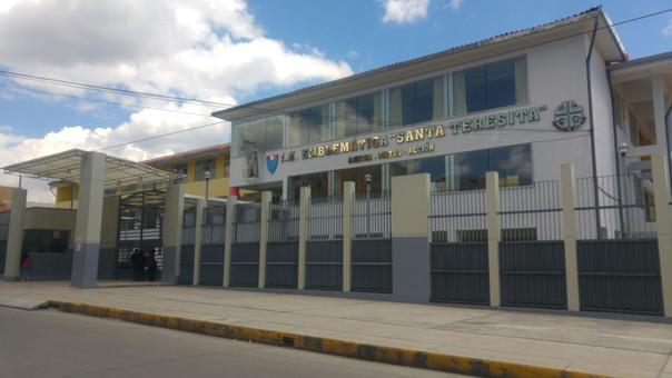 Los delincuentes escalaron uno de los muros para hacer de las suyas dentro del colegio de mujeres Santa Teresita