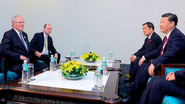 Xi Jinping commence une visite d'Etat au Vietnam