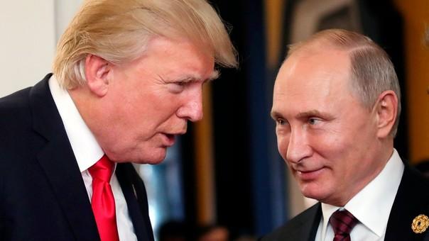 Trump y Putin durante su encuentro en la cumbre APEC.