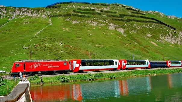 Suiza se destaca por llevar los trenes a zonas montañosas.