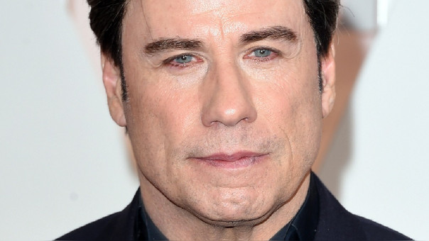 Acusan de abuso sexual a Travolta