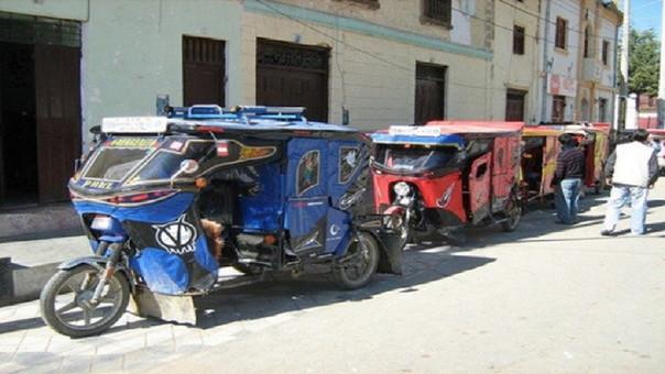 Mototaxistas Piura