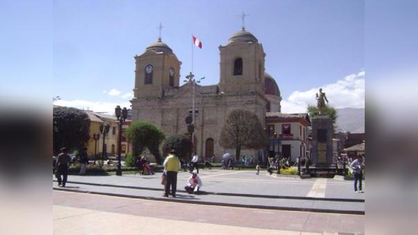 Reconocen a artistas de Huancayo.