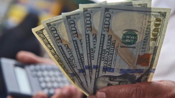La moneda en los últimos 12 meses el dólar se ha depreciado en -4.82 por ciento.