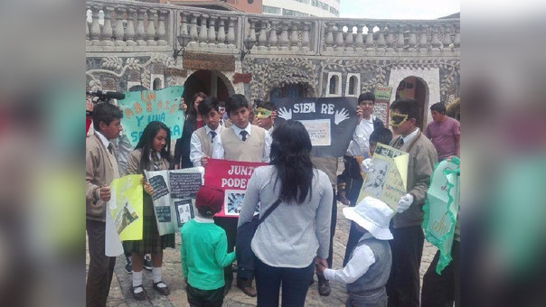 Huancayo:Abrazos gratis