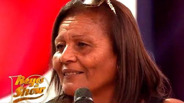 Doña Peta se conmovio al recordar el apoyo de los hinchas hacia Paolo Guerrero