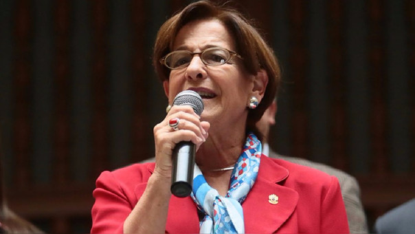 Susana Villarán asegura que se quedará en Perú para afrontar investigaciones