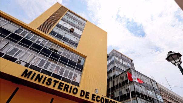 El MEF confirmó la renuncia de un funcionario vinculado al Caso Odebrecht