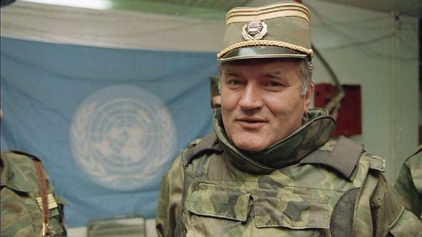 La semana pasada, el mismo tribunal condenó a cadena perpetua al exmilitar bosniocroata Ratko Mladic por genocidio y otros crímenes de guerra.