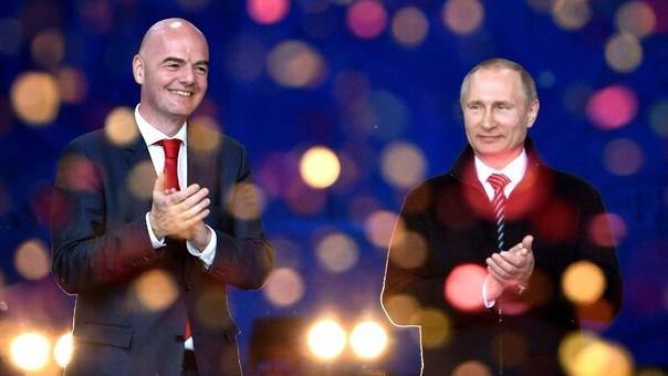 Infantino y Vladimir Putin, presidente del país organizador del Mundial.