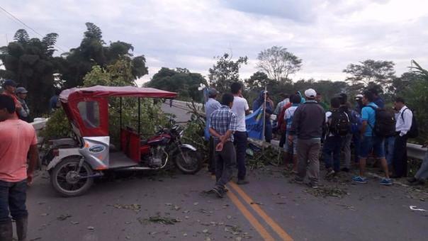Productores bloquearon la carretera Fernando Belaunde Terry.