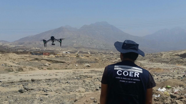 Monitorean quebradas con drone
