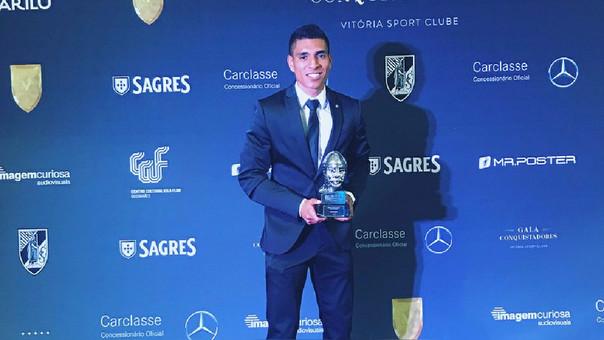Paolo Hurtado fue premiado como el jugador del año del Vitoria Guimaraes