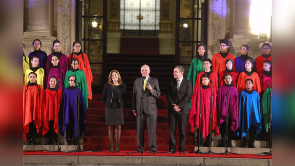 Bicentenario al Perú