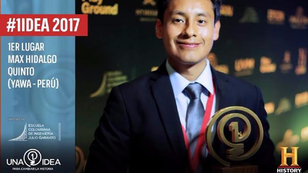 Max Hidalgo Quinto, bachiller de la Facultad de Ciencias Biológicas de la UNMSM, recibió el trofeo del primer lugar en la Ciudad de México.