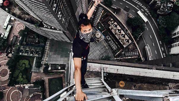 Wu Yongning murió en una de sus peligrosas acrobacias en rascacielos