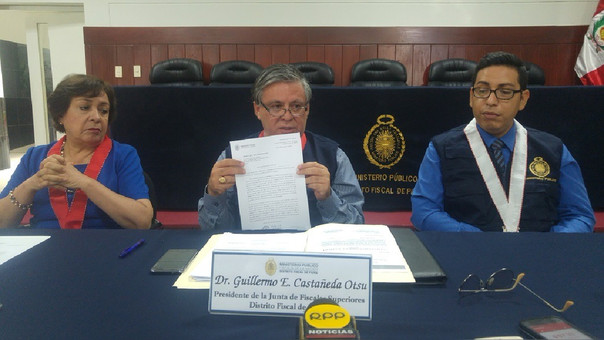 El presidente de la Junta de Fiscales Superiores del distrito fiscal de Piura, Guillermo Castañeda convocó a una conferencia.